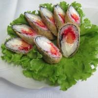 Роллы, суши и гунканы